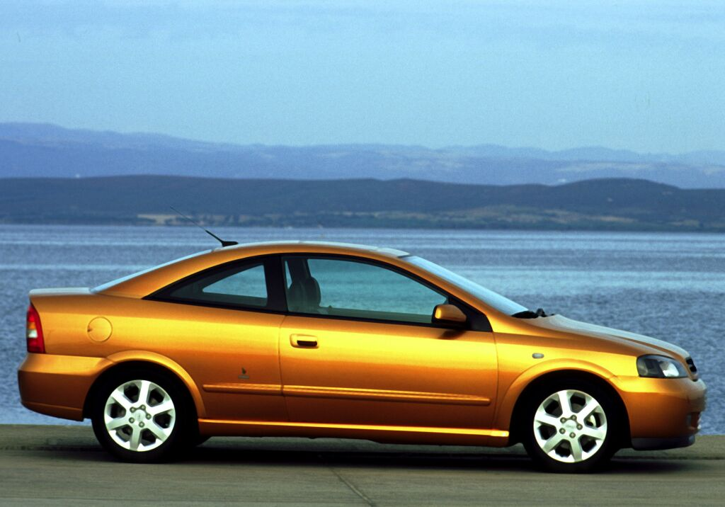 big_opel_astra_coupe_02.jpg